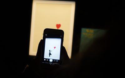 """Banksy perde il marchio del """"Lanciatore di fiori"""""""
